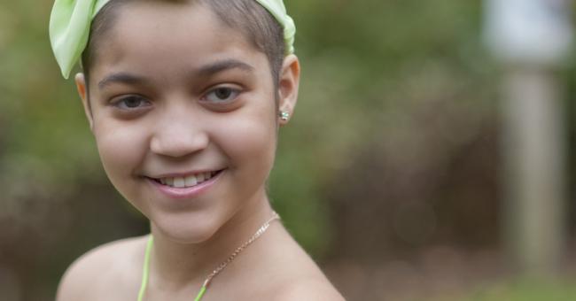 young-girl-with-headband
